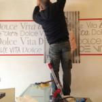 Installazione della decorazione d'interni con forex stampa diretta